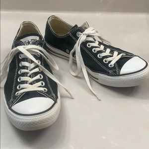 CONVERSE CHUCK TAYLOR BLACK LOW TOP SNEAKERS